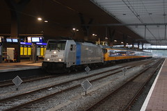 Naar de SGB op 16 mei 2015 (NS162) Tags: netherlands station electric train ic rotterdam track ns transport nederland eisenbahn bahnhof international rails railways trein spoor intercity spoorwegen lok sporen zuidholland traxx benelux spoorweg 2800 nmbs icr rijtuig elok internationaal reizigers rijtuigen belgié reizigerstrein