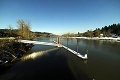 Willamette River near Portland Oregon (Kayaker Bill) Tags: wideanglelens rokinon14mm28lens willametteriver oregon rivers sonya7r bridges portlandoregon manualfocuslens