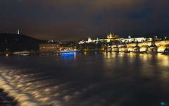 Prague Castle and Karlův most (SagarMohanty) Tags: praha prague czechrepublic guinness charlesbridge karluvmost night vltava