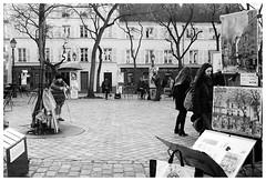 Montmartre II (madras91) Tags: nb bw blackandwhite noiretblanc monochrome paris france montmartre leica leicam2 summaron summaron35mmf28 35mm street streetphotography