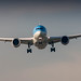 TUI NL 787-8 on short final for runway 06