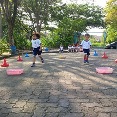 kegiatan-olahraga-memindah-bola-lari-silang (12)