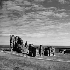 Retro 365 - Day #160 (cazphoto.co.uk) Tags: slr architecture ruin vintagecamera tynemouthpriory singlelensreflex 120rollfilm agilux filmproject agiflex 090615 retro365 agiluxanastigmat80mmf35