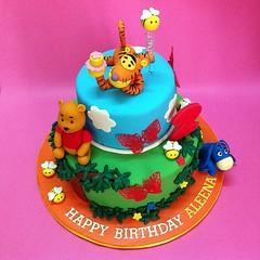 Winnie The Pooh Party Cake (patchias) Tags: winniethepooh cakeshop cakehouse bearcake klangvalley partycake noveltycake customcake poohcake kidscake 3dcakes designedcake childrencakes bestcakes fondantbirthdaycake 3dbirthdaycake figurinecake kslcitymall kepongbakery sripetalingcakestore malaysiabaker