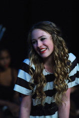 POP_8572 (Philip Osborne Photography) Tags: prison blonde actress jumpsuit chicagothemusical roxiehart onstagecharlotte pentaxa50mmf17smc july12th2015 laylabaresich