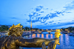 Nymphe - Pont Alexandre III - Paris, France (mario.valeira) Tags: city bridge paris france history seine river europe cityscape iii historic alexandre parisian nymphe