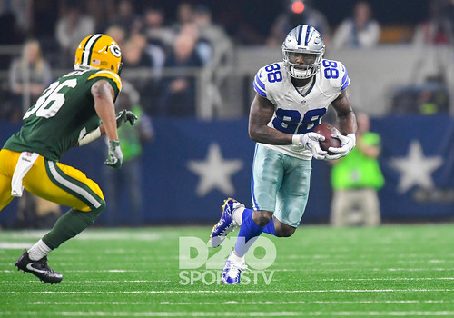 """Dallas Cowboys vs Green Bay Packers • <a style=""""font-size:0.8em;"""" href=""""http://www.flickr.com/photos/10266314@N06/31545466724/"""" target=""""_blank"""">View on Flickr</a>"""