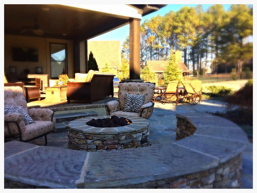 Custom Gas Firepit. Appison, Tn.