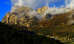 Morning view over Gardenaccia _MG_3728m(2) (maxo1965) Tags: valbadia gardenaccia sassongher lavilla trentinoaltoadige clouds fallcolors mountains italy gadertal