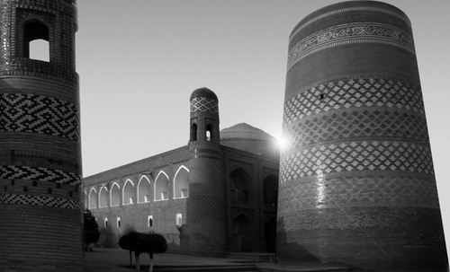 "Torres legendarias / Faros, minaretes, campanarios, rascacielos • <a style=""font-size:0.8em;"" href=""http://www.flickr.com/photos/30735181@N00/31722256543/"" target=""_blank"">View on Flickr</a>"