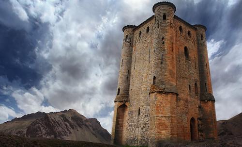 "Torres legendarias / Faros, minaretes, campanarios, rascacielos • <a style=""font-size:0.8em;"" href=""http://www.flickr.com/photos/30735181@N00/32493406296/"" target=""_blank"">View on Flickr</a>"