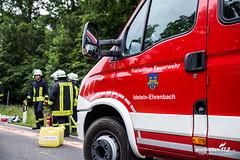 Schwerer Verkehrsunfall B417 20.06.15 (Wiesbaden112.de) Tags: feuerwehr rettungsdienst transporter rettungshubschrauber einsatzleitung überschlag wiesbaden112 schwerverletzt frontallzusammenstos