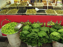 Olives, Greengage and Grape Leaves (blondinrikard) Tags: green oliver iran olive olives grapeleaves tehran sour plums grn 2015 greengage plommon reineclaude greenplums vinblad gojesabz reineclaudeverte suraplommon grnreineclaude