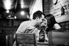 OF-precasamento-RaqueleChristiano-417 (Objetivo Fotografia) Tags: bar ensaio amor carinho raquel fotos cerveja casal poa esporte corrida namorados sombras ceva noiva bebida copos detalhes tnis gasmetro dois fotografias ensaiofotogrfico unio luminrias sentimento noivo noivos christiano usinadogasmetro tocadacoruja orladoguaba ensaioprcasamento