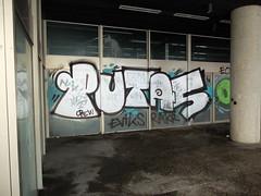 Tags (oerendhard1) Tags: urban streetart art graffiti rotterdam tag tags ups vandalism throw putas rakr eviks