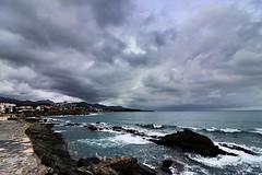 Llançà 002 (Joanbrebo) Tags: autofocus eosd canoneos80d mar nubes nuvols clouds nuages mediterrani girona lempordà llançà efs1018mmf4556isstm