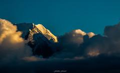 Lumière du Soir au Goûter (Frédéric Fossard) Tags: nuage merdenuage nature altitude glacier cime arête crête aiguilledugoûter hautesavoie alpes massifdumontblanc chamonix lumière ombre luminosité goldenhour coucherdesoleil soir hautemontagne neige