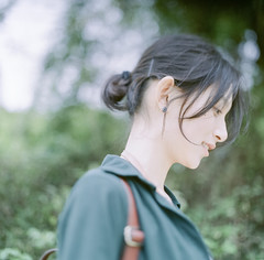 image (Hallomomo) Tags: color 6x6 film nature girl beauty rolleiflex portraits hair square asian photography wind body leg skirt fresh squareformat fujifilm sl66 planar carlzeiss fujicolor filmphotography 160ns innerdeep