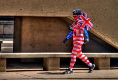 TG 15 06 06 033 (pugpop) Tags: oakland costume pittsburgh pennsylvania pedestrian freak hdr britishflag 2015 forbesave