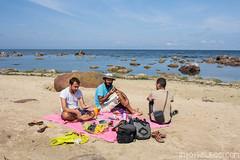 Couverture rose 5€ sur le marché en Mongolie. Idéal pour vos petits déjeuners sur la plage !