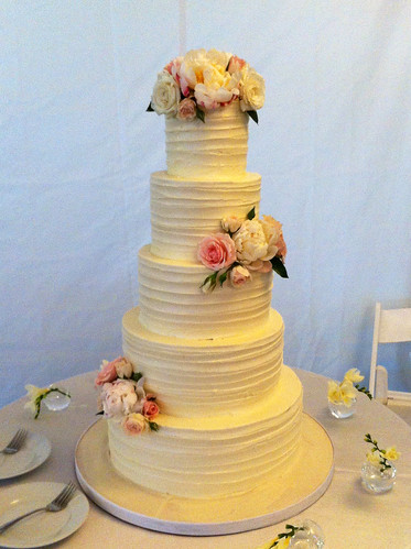 Ribbon Texture Buttercream Wedding Cake with Fresh Flowers