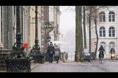 wintertime (Zino2009 (bob van den berg)) Tags: pair couple shopping deventer holland cold snowing winter december xmastime centre mood netherlands walking zino2009 169 cinematic bobvandenberg