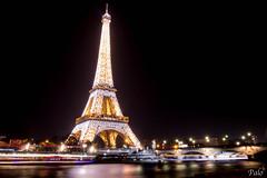Christmas Tour Eiffel (L'Oeil De Palo) Tags: paris toureiffel tower architecture noel christmas lumiere light scintillant brillant pont fleuve seine canon 700d 1635 magie magique magic