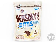 Hershey's Bites Cookies 'n' Cream por PratoFundo.com ([Vitor Hugo]) Tags: hersheys hersheysbites chocolate candy bolinha chocolateaoleite chocolatebranco