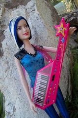 Zia (Sin.da.a.ta.ri.en) Tags: barbie movie rockn royals zia ryana fashion doll