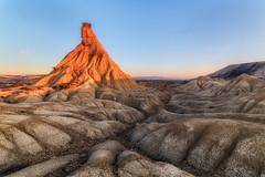 La piel del lagarto (Alfredo.Ruiz) Tags: castildetierra bardenas sunrise desert deserted dry nature landscape outdoor spain sky clay crack crevice