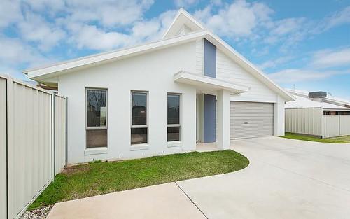 2/32 Whitton Drive, Thurgoona NSW