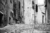 (andreavalentipic) Tags: erice sicily cat play street trapani blackandwhite vicolo monocromo sicilia