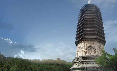 "Torres legendarias / Faros, minaretes, campanarios, rascacielos • <a style=""font-size:0.8em;"" href=""http://www.flickr.com/photos/30735181@N00/32493409916/"" target=""_blank"">View on Flickr</a>"