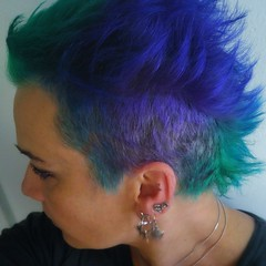 153039 (*janina*) Tags: days janina me self 365 365like everyday 2017 people series daily serie denik lidi family rodina ja life zivot hair hairstyle style color colour barva vlasy crazy short woman punk green blue violet directions stylist