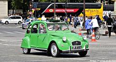 Citron 2CV (XBXG) Tags: auto old paris france classic car vintage de french la automobile place citron voiture concorde 2cv frankrijk eend geit ancienne 2pk 2cv6 citron2cv franaise deuche deudeuche dm812wj