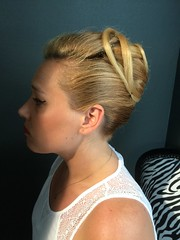 """Chignon banane • <a style=""""font-size:0.8em;"""" href=""""http://www.flickr.com/photos/115094117@N03/18418797058/"""" target=""""_blank"""">View on Flickr</a>"""