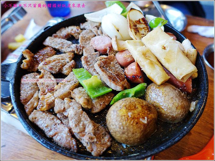 首爾雙雙帳棚馬車一公尺肉串 (27).JPG