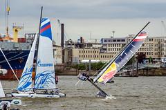 Extreme Sailing Hamburg 2015 (compidoc) Tags: red sailing extreme hamburg bull hafen elbe segelboot 2015 katamaran ausreiten kentern