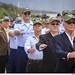 Veteranos e militares da ativa em desfile militar