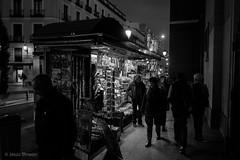 Newsstand (Jesús Simeón) Tags: atocha kiosko madrid nocturna blackandwhite blackwhite streetphotography nightlife monochrome