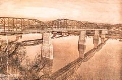 "More ""vintage"" shots of Chattanooga.... (Roland 22) Tags: flickr vintageedit reflection northshore marketstreetbridge walnutstreetbridge tennesseeriver chattanoogatennessee"