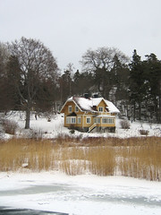 House with a sea view (Steffe) Tags: winter house snow building ice reed yellow europe sweden haninge sderbybrygga