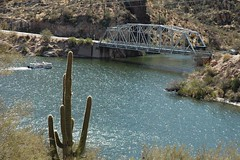Canyon Lake Bridge, Apache Trail, Arizona (Thad Roan - Bridgepix) Tags: travel bridge arizona cactus lake water boat photo desert photos bridges saguaro span apachetrail bridging canyonlake truss bridgepixing 200603 bridgepix bridgeblog