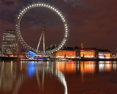 the london eye (The Norwegian) Tags: uk england reflection london wheel river geotagged nightshot quality tourist thamesriver thelondoneye geo:tool=wikiworldflicksorg geo:lat=515035 geo:lon=01233