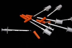 Needles1 (Ms. Soccer_Roo) Tags: pump heath medicine needles insulin glucose diabetes asthma inhaler nebulizer diabetesawareness nationaldiabetesday chroniccondition