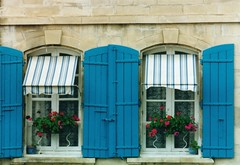 Arles Fenetres - by nhburdick