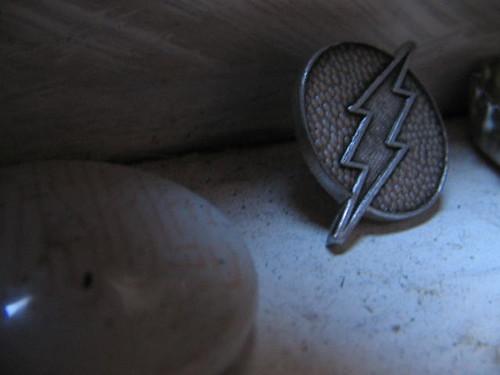 Invisible Badge Flash Pin