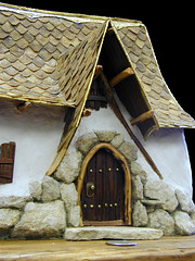 Miniature_House (Gary Zuker) Tags: house building home architecture miniature model straw plaster clay cob hobbit frontdoor miniture modelhouse strawhouse strawclay