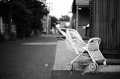 Abandoned Baby Carriage (Nativeagle) Tags: bw film oregon minolta kodak native tmax eugene 100 navajo nativeagle maxxum 7000 50mmf17