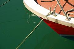 Amarrada (daniel vasco) Tags: boat barco asturias ribadesella asturies